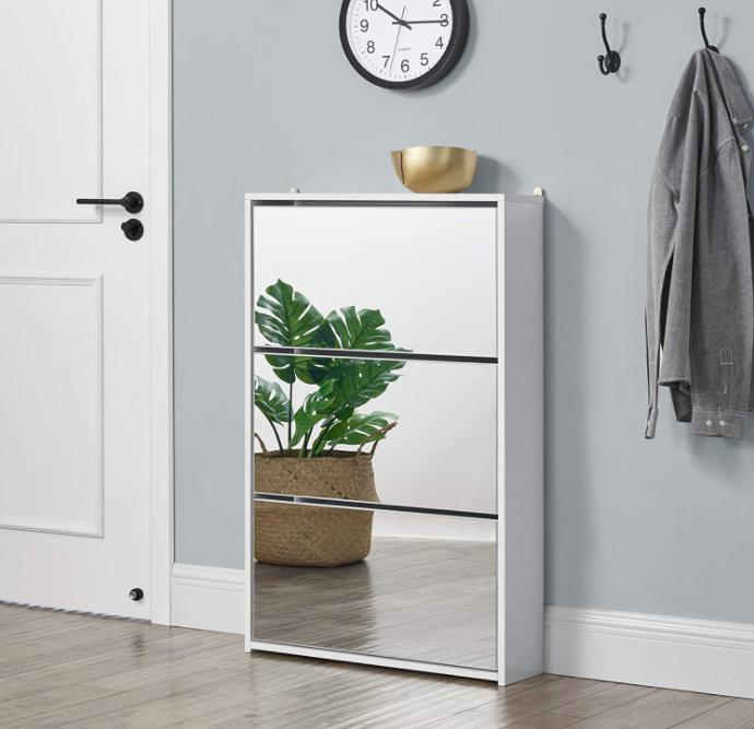 zapatero con espejo blanco